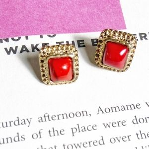ACRYLIC RED CORAL GOLD STATEMENT STUDS